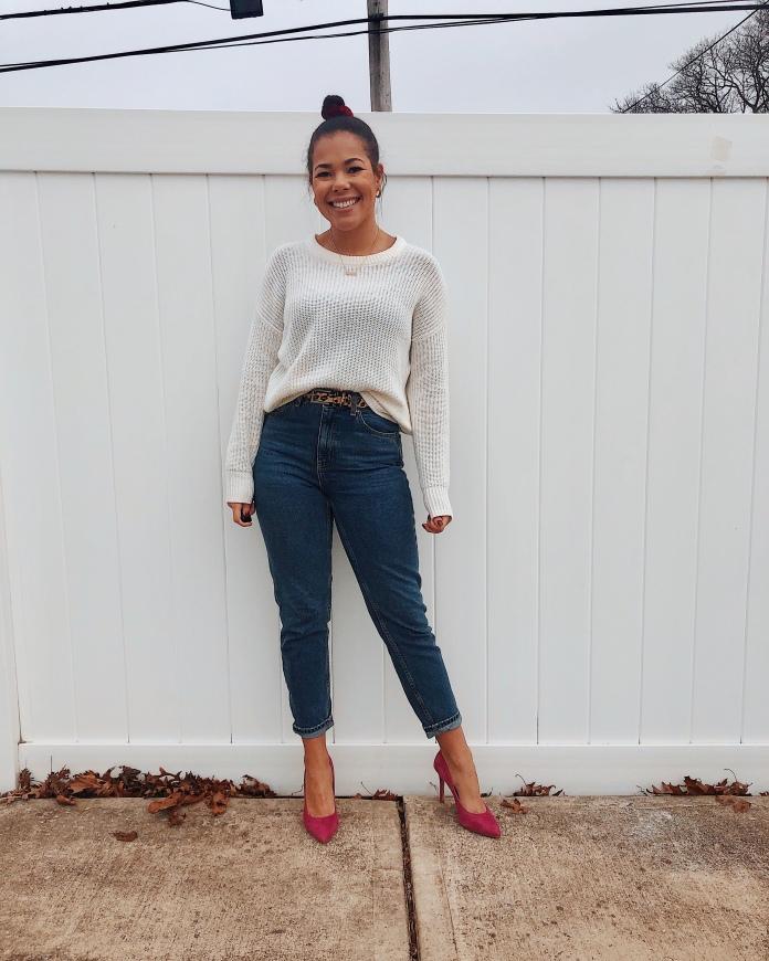76016e2e3ec OOTD  Cozy Sweater   Mom Jeans